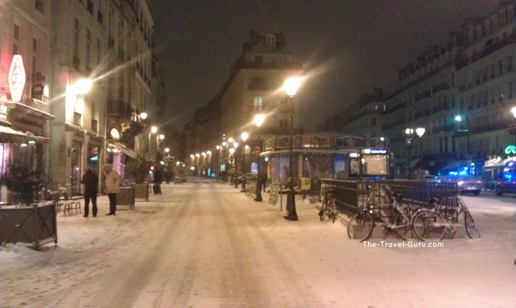 Does it snow in Paris