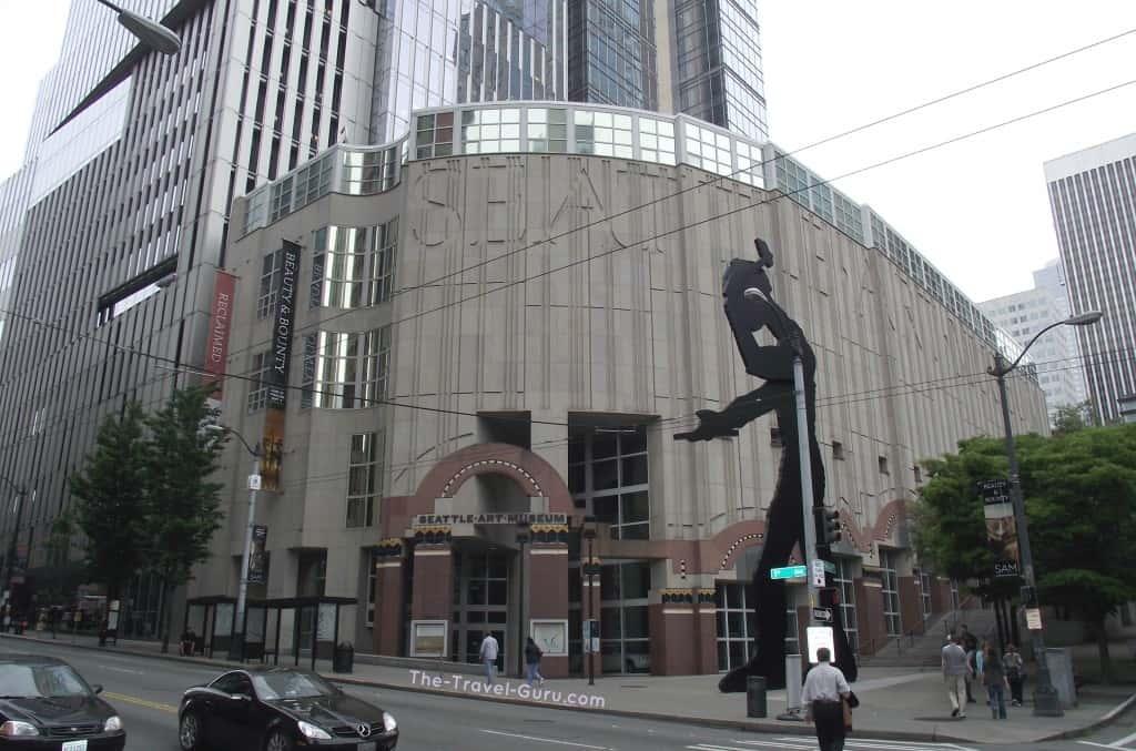 Hammering man Seattle Art Museum