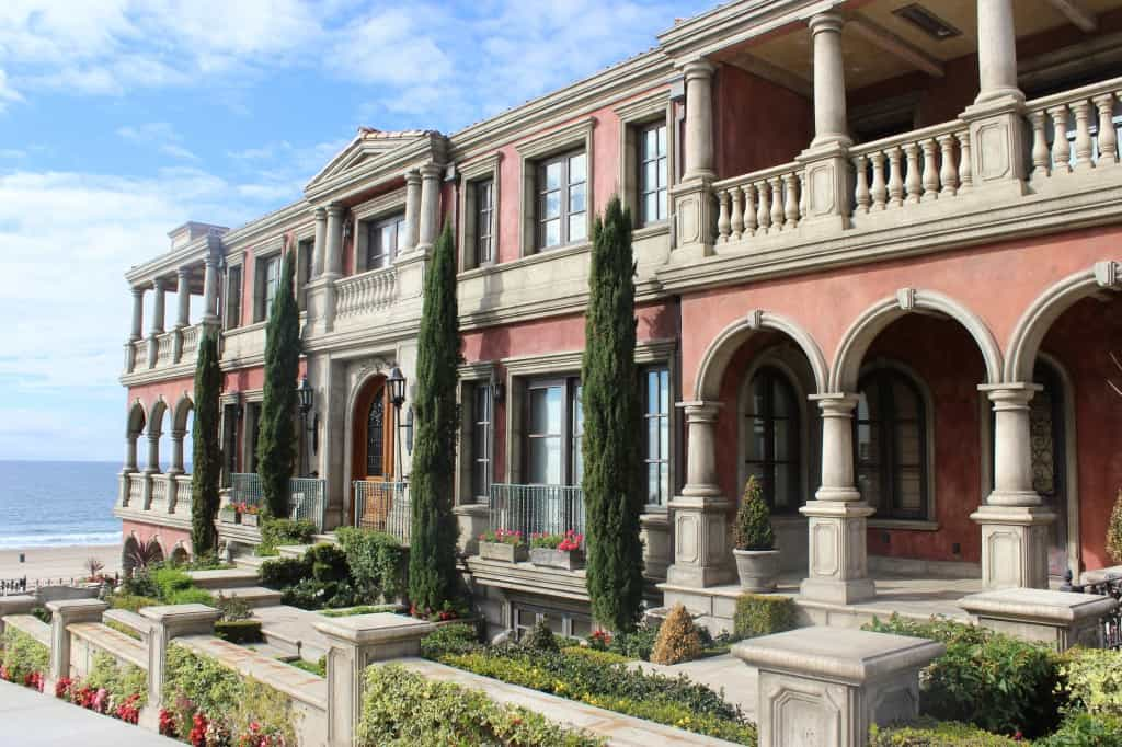 Mansion In Manhattan Beach California The Travel Guru