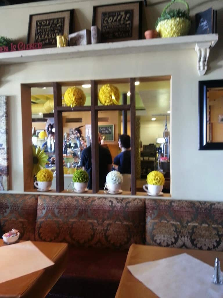 Restaurant review wednesday yellow vase cafe the travel guru have reviewsmspy