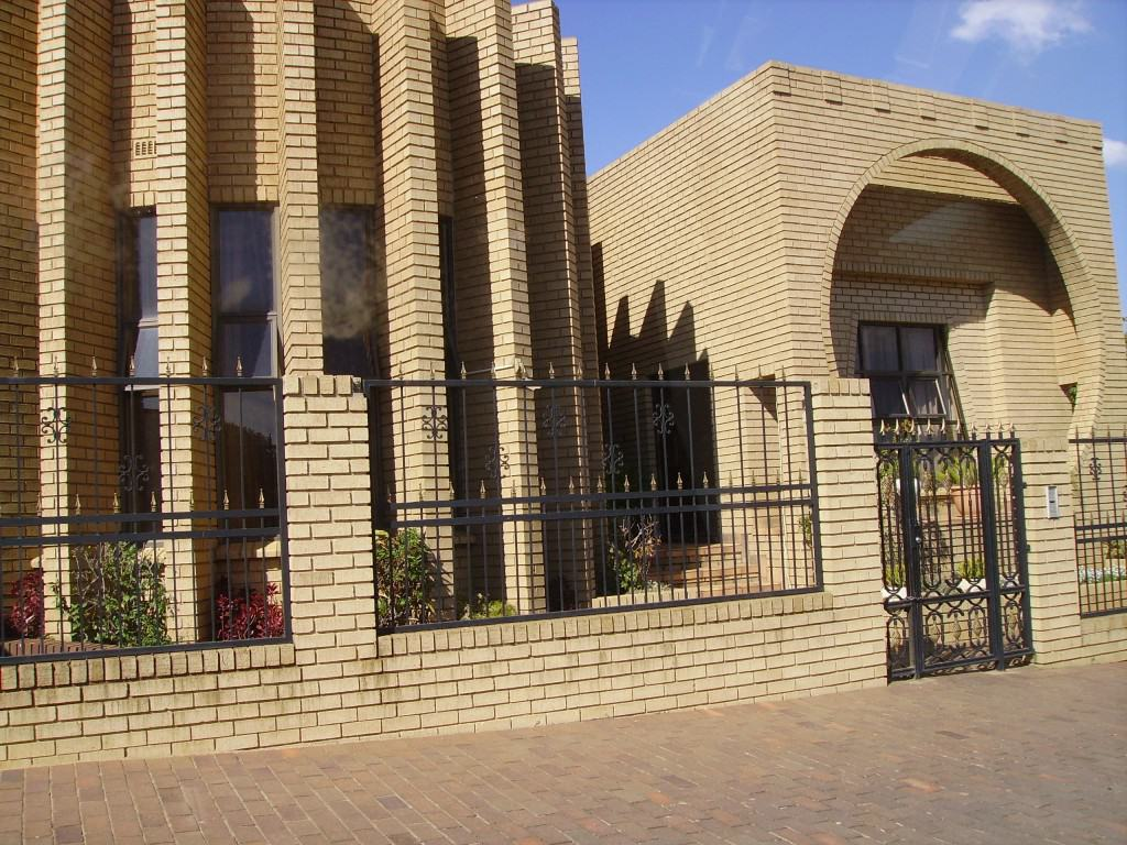 Well Decorated Homes Beautiful Homes In Soweto South Africa The Travel Guru
