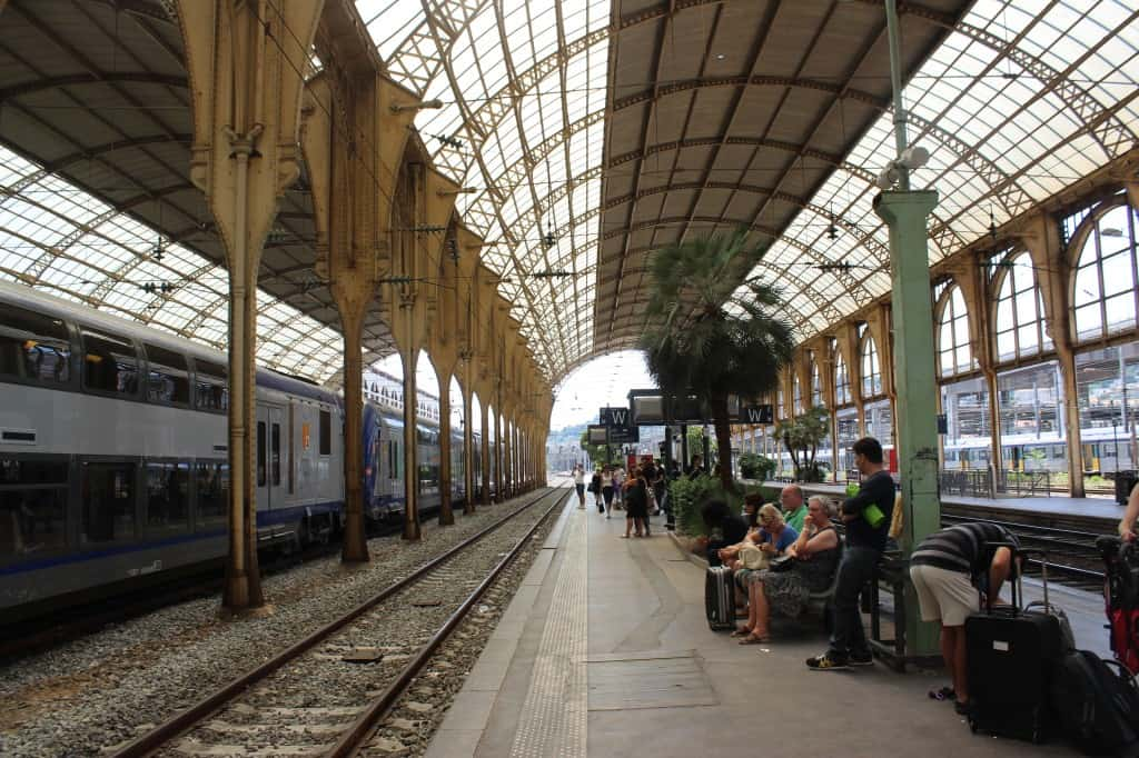 Train station in nice france the travel guru for Train tours paris austerlitz