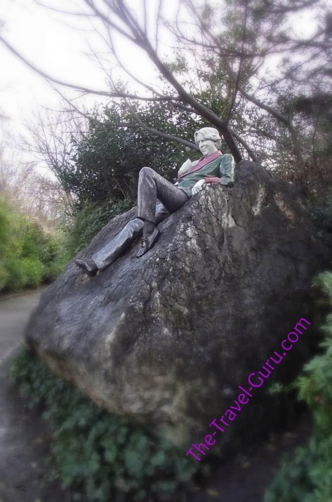 Oscar Wilde statue Merrion Square