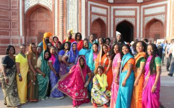 Visiting the Taj Mahal with the Nomadness Crew